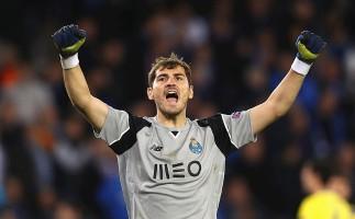 Iker Casillas gana el premio Golden Foot 2017