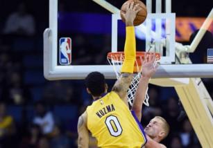 NBA: el novato Kuzma le roba el protagonismo al novato Ball