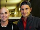 """Agassi: """"Federer controla todo en el tenis"""""""