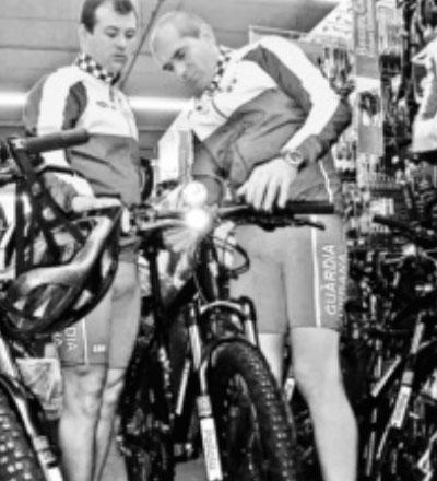 Guardias Urbanos en bici