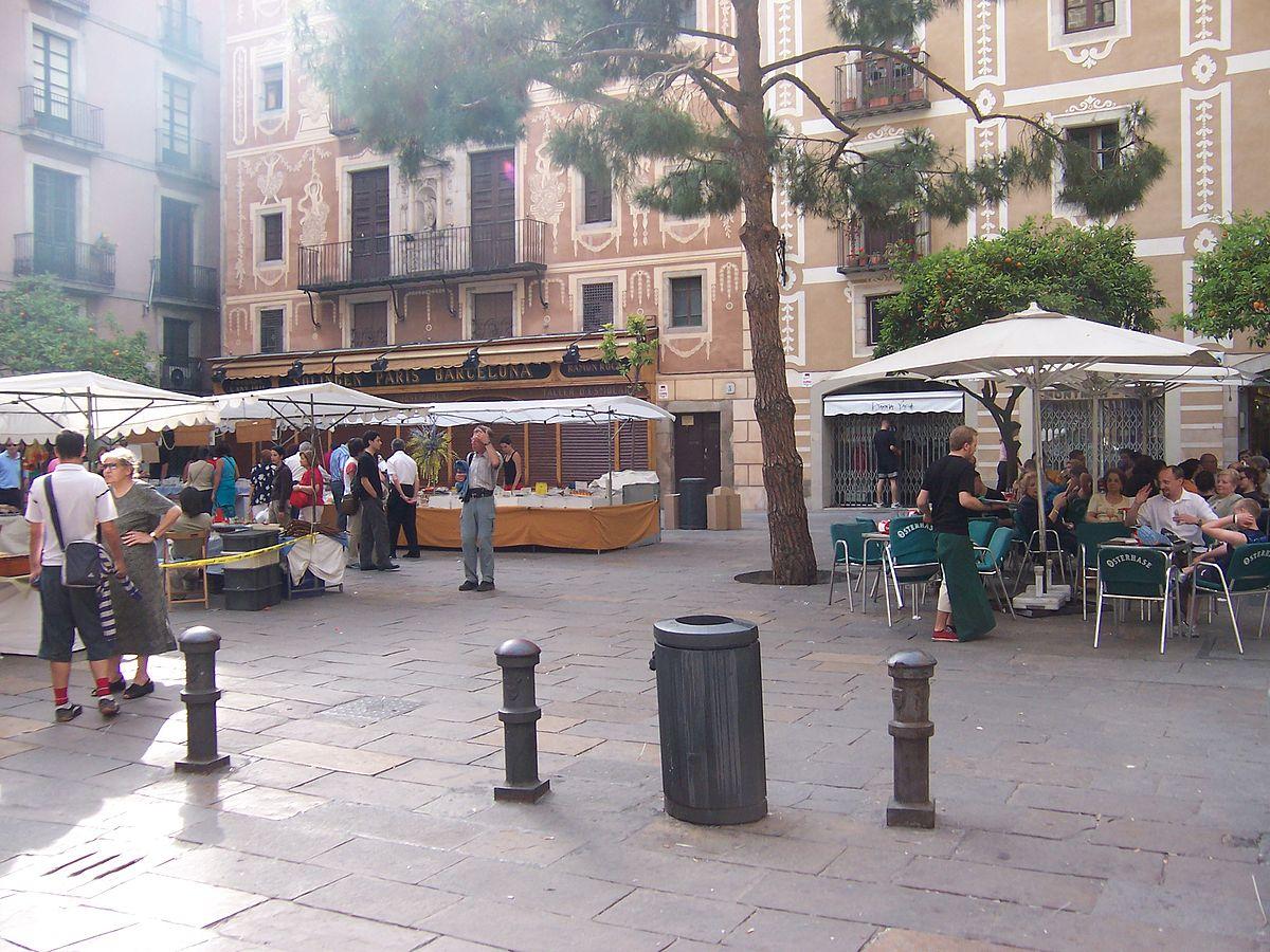 Callejeando por Barcelona y conociendo sus plazas más curiosas