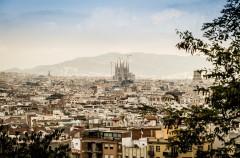 Barcelona pone límites a Airbnb y los apartamentos turísticos