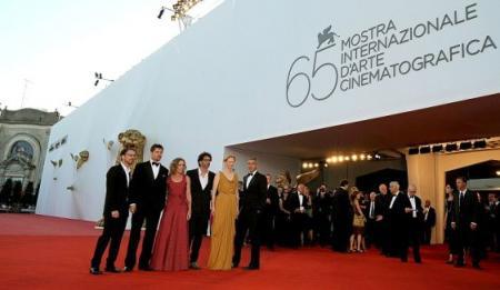 la crítica se divide ante 'Burn After Reading' Mostra de Venecia