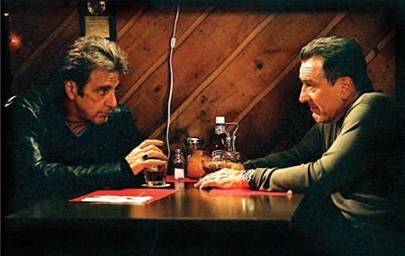 De Niro deja en la estacada a Mel Gibson cuando llega el primer trailer en español de 'Asesinato Justo'