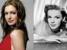 Anne Hathaway contenta de ser Judy Garland