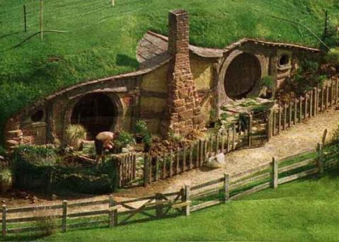 lotr-hobbit-hole.jpg