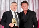 Sean Penn dirigirá al cómico Robert de Niro y a la seria Kristen Wiig