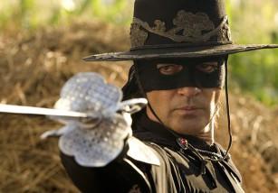 'El Zorro' tendrá reboot futurista con Jonás Cuarón como director y guionista