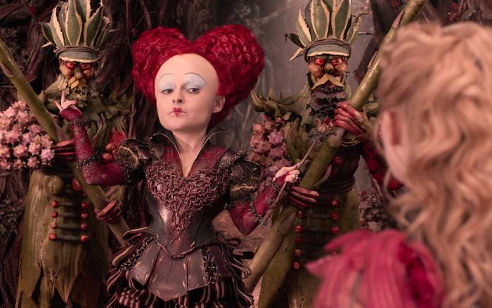 Alicia a través del espejo Helena Bonham Carter