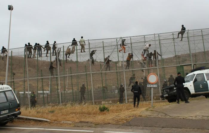 Salto valla Melilla Guardia Civil migrantes