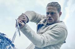 El nuevo tráiler de Rey Arturo: La leyenda de Excalibur nos trae de nuevo la épica al cine