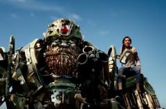 Transformers: El último caballero nos enseña un nuevo tráiler