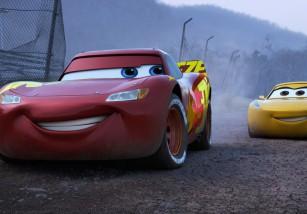 Cars 3 nos muestra un nuevo tráiler, con mucha mejor pinta que las dos anteriores entregas