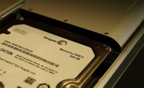 Disco duro de 500 GB Seagate probado en una MacBook Unibody