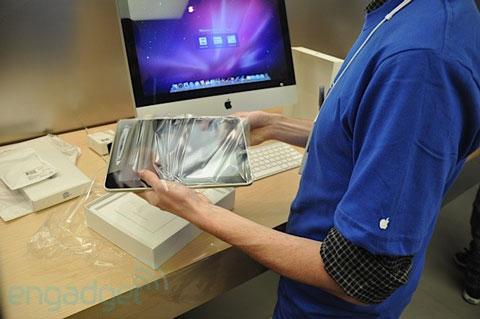 Unboxing y activación de un iPad en una Apple Store