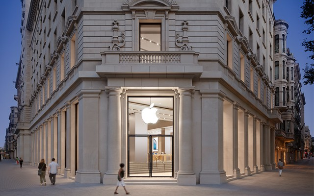 AppleStore_Barcelona_01