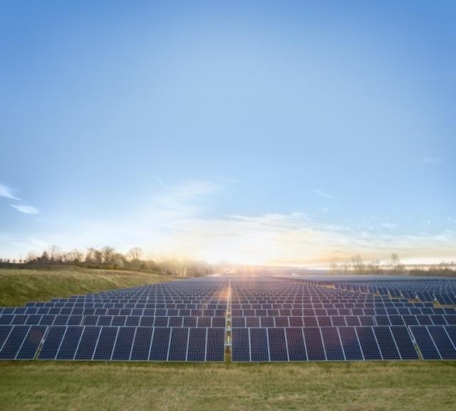 Apple_Maiden_planta_solar