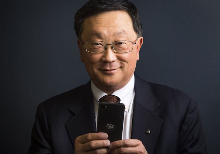 El CEO de Blackberry quiere iMessage en sus dispositivos, y además, por ley