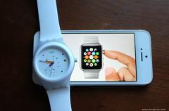 """Swatch explica porqué ha registrado """"One more thing""""… mientras dice que el Apple Watch es un juguete"""