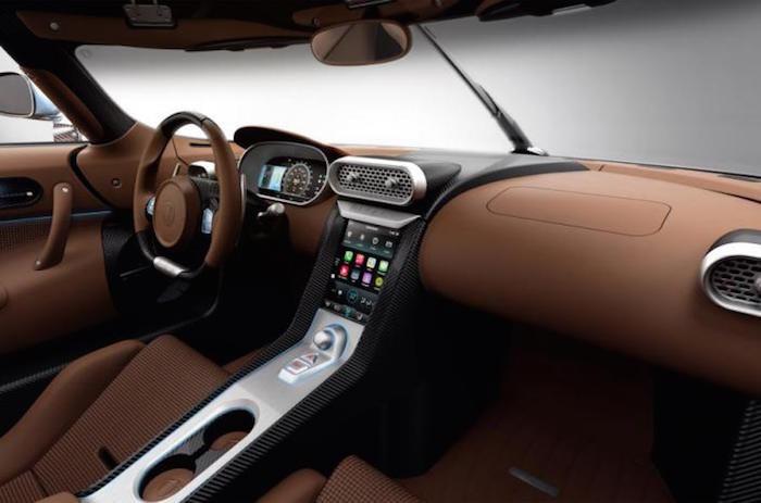 Koenigsegg CarPlay