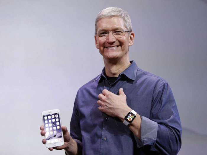 tim-cook-con-apple-watch