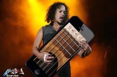 El guitarrista de Metallica perdió su iPhone con 250 nuevos riffs