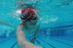 ¿Puedo usar el Apple Watch mientras nado? Posiblemente sí