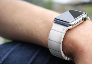 Demostrado: Mediante el puerto oculto del Apple Watch la batería se carga más rápidamente