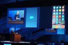 ¿Apple usa Office en un evento? Microsoft usa un iPhone en otro