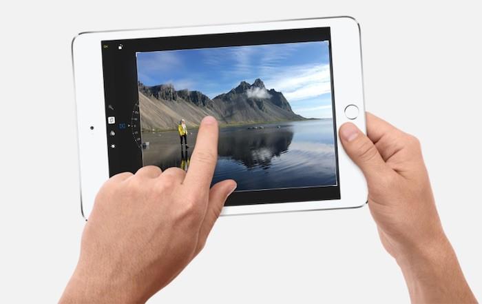 Producto-iPadmini4-manos