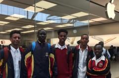"""Un grupo de estudiantes negros son expulsados de una Apple Store en Australia """"porque podían robar algo"""""""