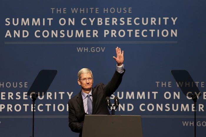 Tim Cook insiste en la privacidad de los usuarios frente al gobierno