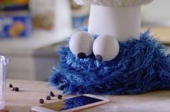 Apple comparte un nuevo vídeo con Siri y el Monstruo de las Galletas como protagonistas