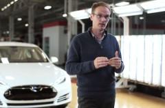 El ex vicepresidente de Tesla y ex ingeniero jefe de Aston Martin Chirs Porritt se une a Apple