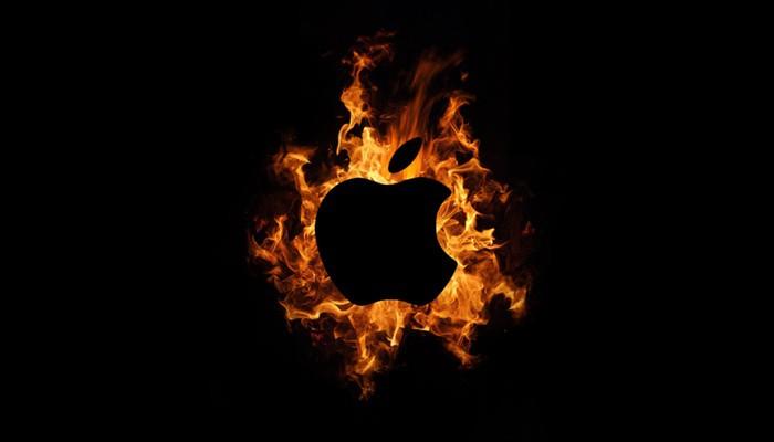 Apple-logo-ardiendo