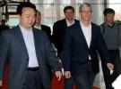 Tim cook viaja a China para acercar posturas con el gobierno local