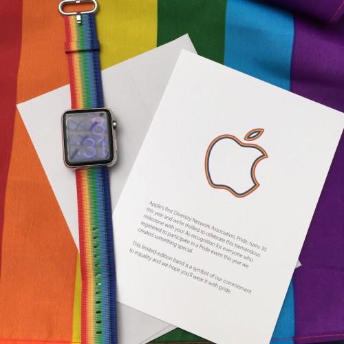 Apple Watch Pride 1