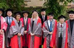 Oxford otorga otro doctorado honorífico a Jony Ive