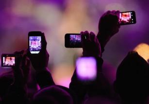 Apple estudia la posibilidad de bloquear la cámara de tu iPhone en conciertos y lugares concretos