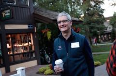 Tim Cook se enfrenta personalmente a la realidad de Apple Pay casi 2 años después de su lanzamiento
