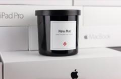 Esta vela aromática hace que el ambiente huela a Mac nuevo