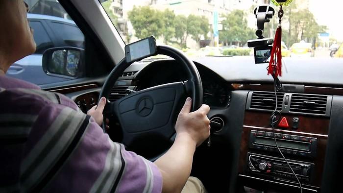 iPhone al volante
