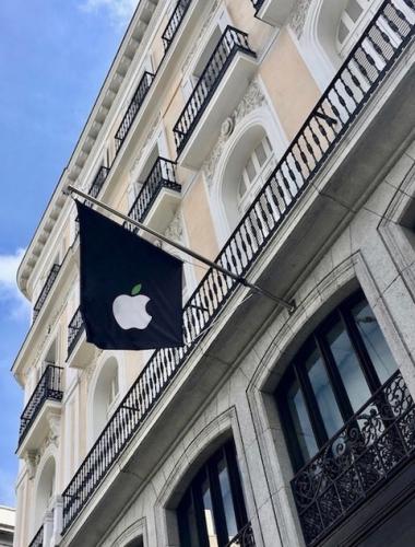 Dia de la Tierra - Apple Puerta del Sol
