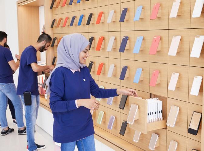 dubai_employee_stocking