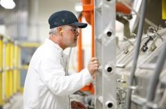 Apple concede a Corning la primera inversión del Fondo para la Fabricación Avanzada