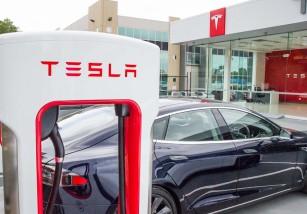 El nuevo rival de Apple Music y Spotify podría ser... Tesla