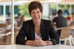 Esta es Deirdre O'Brien, la nueva vicepresidenta de Recursos Humanos de Apple