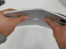 Sí, el nuevo iPad Pro 2020 se dobla si te empeñas. (Así que no lo hagas)