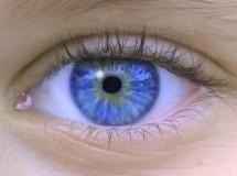 Una niña que quedó ciega recupera la visión con la ayuda de la cirugía