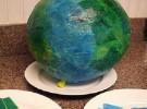 Manualidades con niños: La Tierra en papel maché